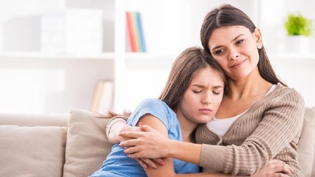 مشاكل البنات في سن المراهقة والحلول المناسبة لها